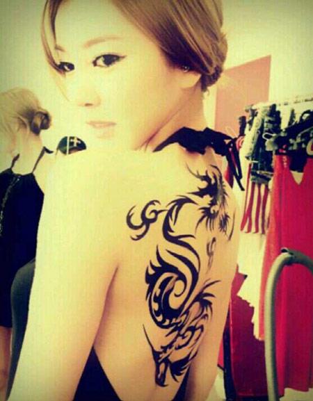 Cô gái có hình xăm rồng trong K-Pop - 1