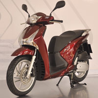 Chn Honda SH 2012 hay Piaggio Liberty?