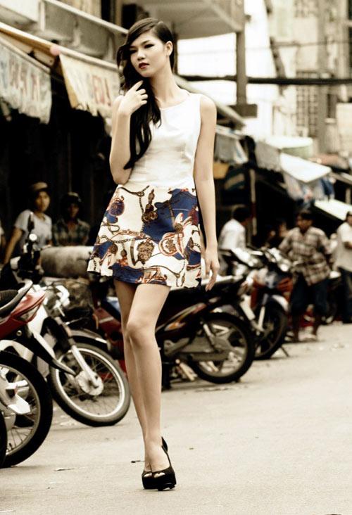 Người mẫu 17 tuổi khoe chân dài trứ danh - 3