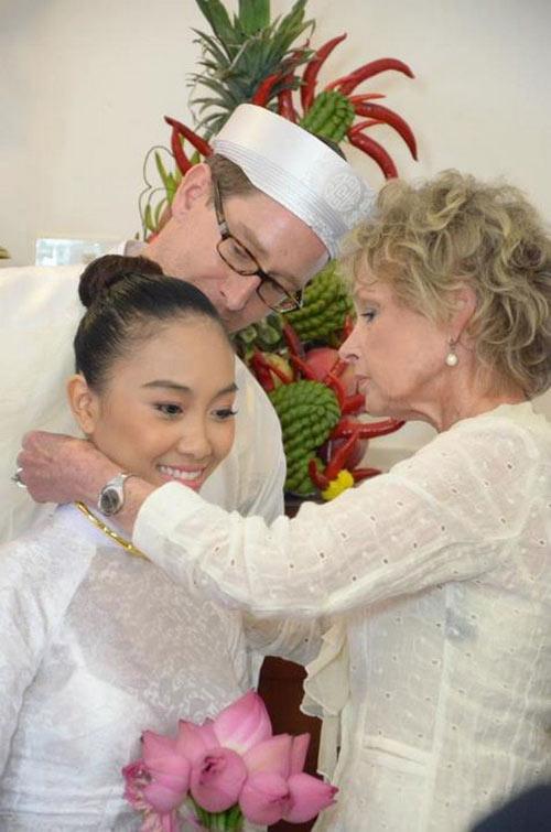 Cô dâu Đoan Trang rạng ngời ngày cưới, Ca nhạc - MTV, doan trang, thoi socola biet hat, ca sy viet nam, ngoi sao ca nhac viet nam, dam cuoi, doan trang ket hon, doan trang lay chong, doan trang lam dam cuoi, ca nhac