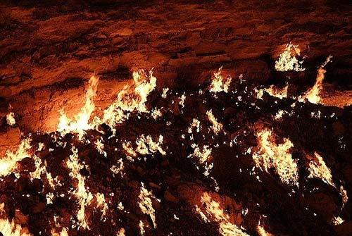 """""""Cổng địa ngục"""" kỳ bí tại Trung Á - 4"""