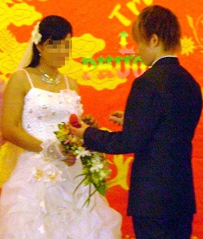 Thêm một đám cưới đồng tính ở Bình Dương - 1