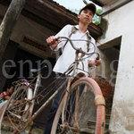 Tin tức trong ngày - Chiếc xe đạp tàn tạ của thủ khoa ĐH Dược
