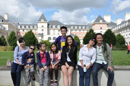 Gia đình Mỹ Linh du ngoạn châu Âu - 12