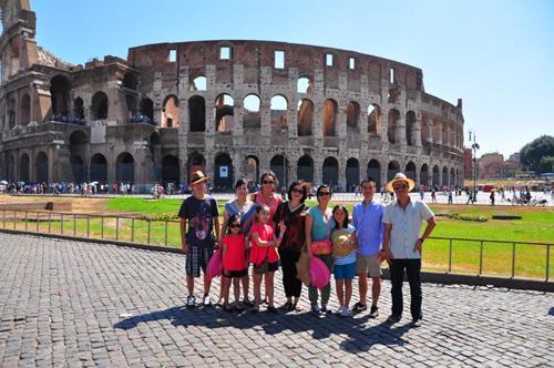 Gia đình Mỹ Linh du ngoạn châu Âu - 1