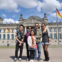Gia đình Mỹ Linh du ngoạn châu Âu