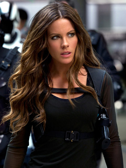 Khi n anh hng thnh c my git ngi, Phim mi, Phim, Total Recall, Kate Beckinsale,  truy tim ky uc, Colin Farrell, Douglas Quaid, Kate Beckinsale, Lori, Jessica Biel, Melina, phim chieu rap, phim chieu rap 2012, phim moi, phim