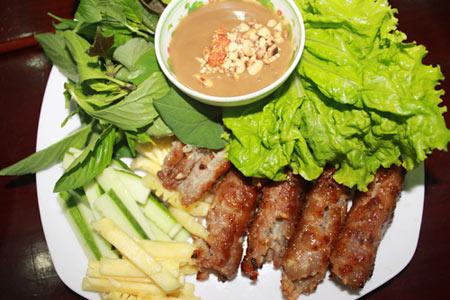 Thích mê với 3 món nem nướng ở Sài Gòn - 2