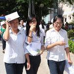 Tin tức trong ngày - Con đỗ đại học, cha mẹ toát mồ hôi