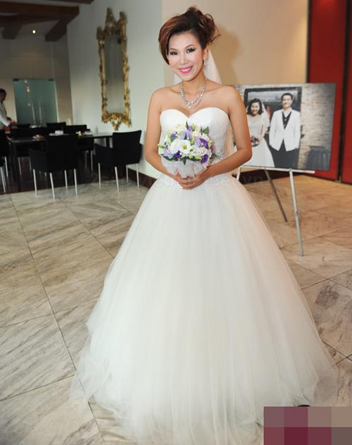 Cô dâu nào che bầu ngày cưới giỏi nhất? - 13