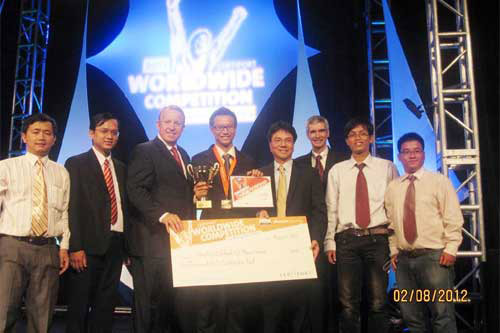 Sinh viên Việt Nam vô địch Microsoft Office World Champion 2012, Công nghệ thông tin, Tran Dinh Vi, Microsoft Office World Champion 2012, sinh vien Viet Nam vo dich Microsoft Office World Champion 2012, gia Microsoft Office World Champion 2012, Microsoft, Office World Champion 2012, sinh vien Tran Dinh Vi, Microsoft Office, hang Microsoft, MOWC, MOWC 2012, cong nghe thong tin, cong nghe,