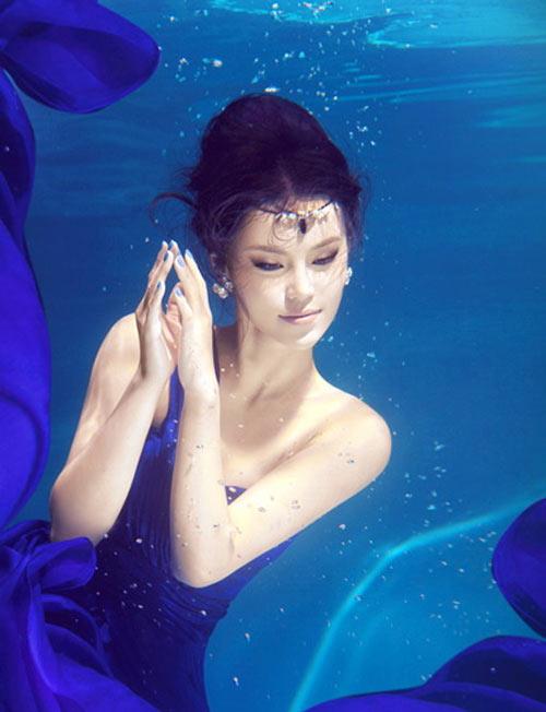 Mỹ nhân đẹp mê khi chụp hình dưới nước - 4
