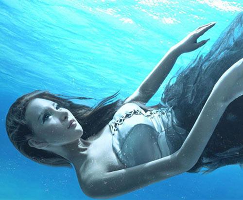 Mỹ nhân đẹp mê khi chụp hình dưới nước - 12