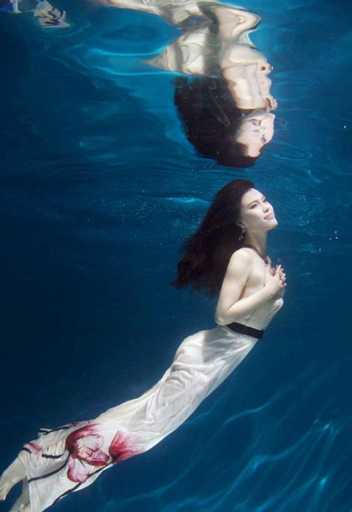 Mỹ nhân đẹp mê khi chụp hình dưới nước - 6