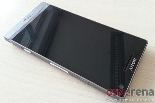Ảnh thực tế Sony Xperia SL - 1