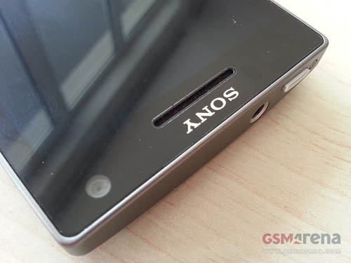 Ảnh thực tế Sony Xperia SL - 2