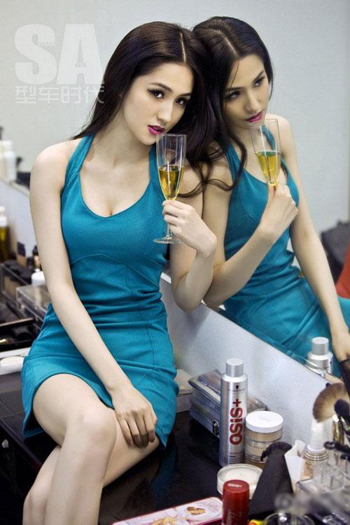 Trương Mạn Ngọc: Vẻ mặn mà tuổi 48 - 8