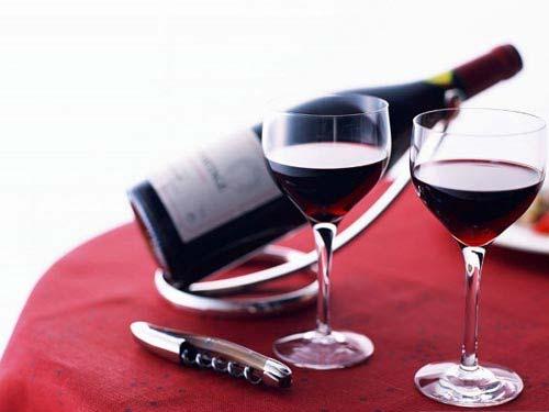 Rượu vang giúp giảm nguy cơ loãng xương - 1