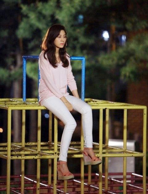Mặc skinny jeans chuẩn như Kim Ha Neul - 4