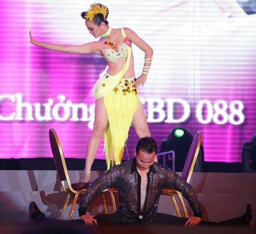 Cô gái H'Mông khoe hình thể sexy - 6