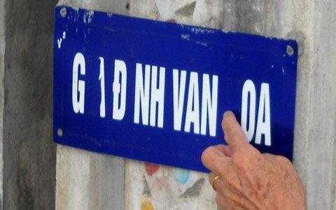 Hà Tĩnh: Lại đeo biển cho gia đình văn hóa - 1