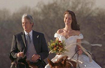 Chọn váy cưới cho cô dâu lùn - 4