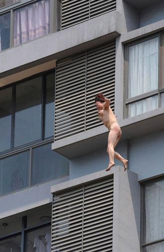Những câu chuyện nude náo loạn đường phố - 5