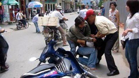 Người Hà Nội hoang mang vì cướp đường - 1
