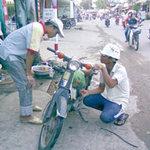 Tin tức trong ngày - Cấm xe máy cũ: Khó khả thi