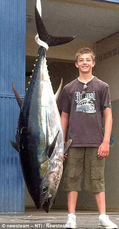 Cô gái 20 tuổi phá kỷ lục câu cá - 3