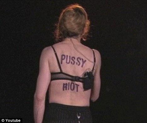 Madonna bị cảnh báo vì cổ xúy chống Putin - 3
