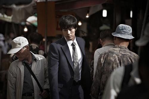 So Ji Sub làm nóng mảng phim hành động - 5