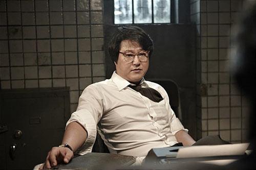So Ji Sub làm nóng mảng phim hành động - 7
