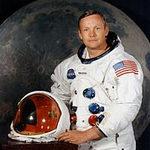Tin tức trong ngày - Công dân đầu tiên của Mặt Trăng phải mổ tim