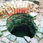 Tin tức trong ngày - Rơi giếng sâu 12m, bé trai may mắn thoát chết