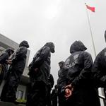 Tin tức trong ngày - Bà Cốc Khai Lai ra tòa trong màn mưa