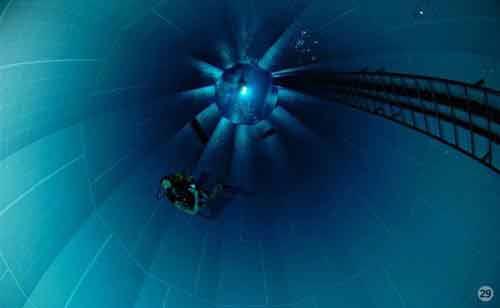 Khám phá hồ bơi sâu nhất thế giới - 6