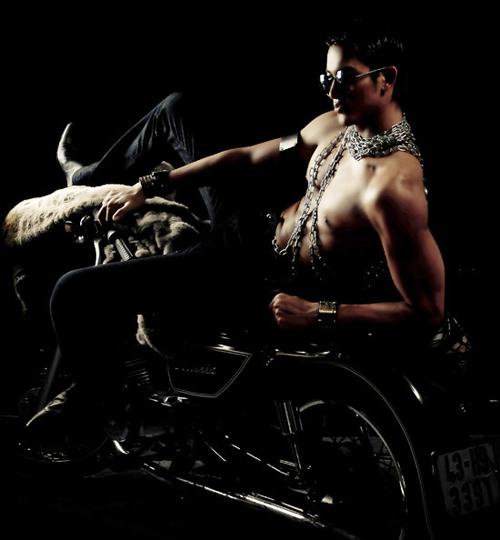 8 người mẫu nam sexy nhất làng mốt Việt - 11