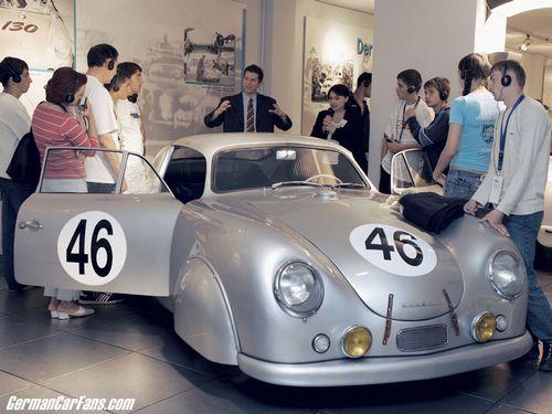 Video: Bí mật bên trong bảo tàng Porsche - 15