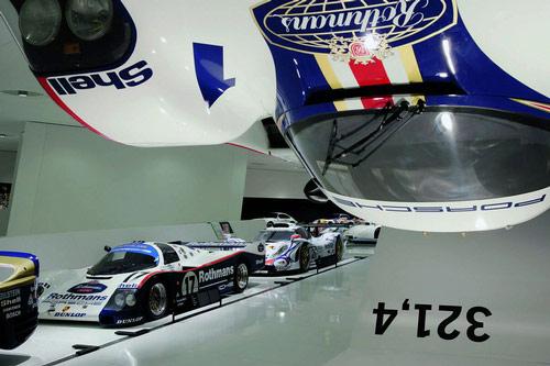 Video: Bí mật bên trong bảo tàng Porsche - 9