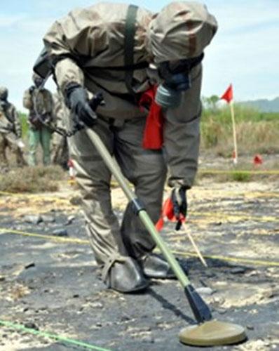 Tẩy dioxin ở sân bay Đà Nẵng - 3