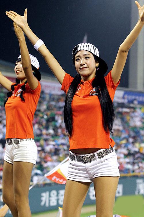 """Những """"quả bom"""" gợi cảm từ sân bóng Hàn - 2"""