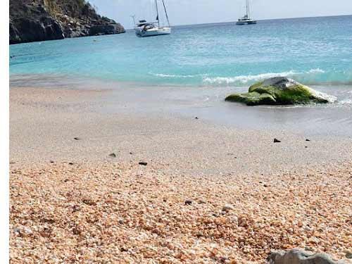 Những bãi biển vỏ sò tuyệt đẹp của thế giới - 11