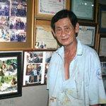 Tin tức trong ngày - Người hơn 30 năm đóng quan tài từ thiện