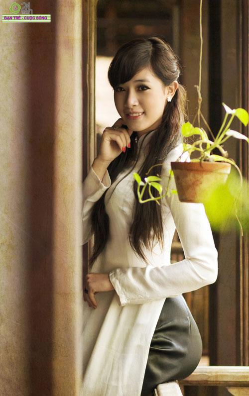 Hot girl Việt tinh khôi với áo dài trắng - 19