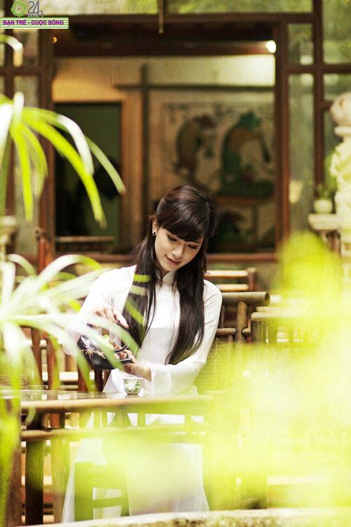 Hot girl Việt tinh khôi với áo dài trắng - 20