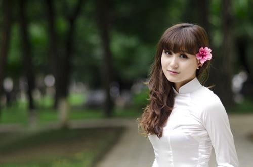 Hot girl Việt tinh khôi với áo dài trắng - 4