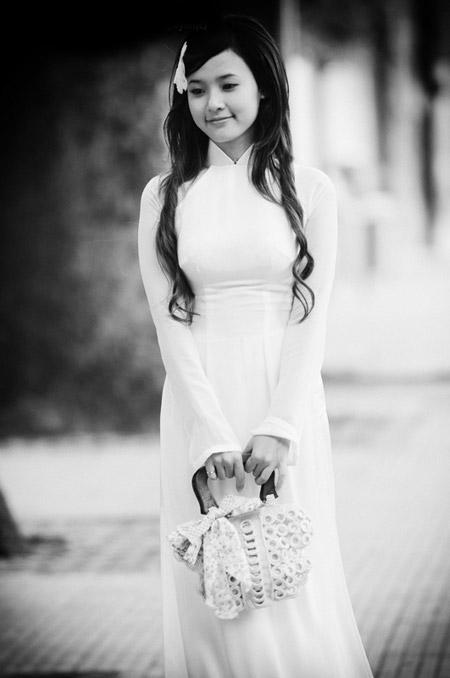 Hot girl Việt tinh khôi với áo dài trắng - 10