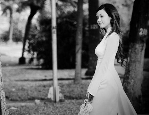 Hot girl Việt tinh khôi với áo dài trắng - 8