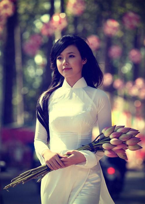 Hot girl Việt tinh khôi với áo dài trắng - 12